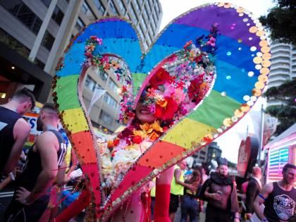 Adozioni gay, nuovo ok dal tribunale di Roma a una coppia di donne