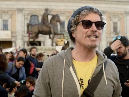 Niccolò Fabi celebra i 20 anni di carriera con un progetto-racconto