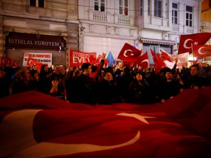 Turchia, sanzioni contro l'Olanda: ingresso vietato all'ambasciatore