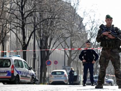 Lo sgozzatore di Parigi schedato come jihadista