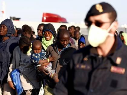 Migranti, il viceministro Giro chiude ai rimpatri forzati