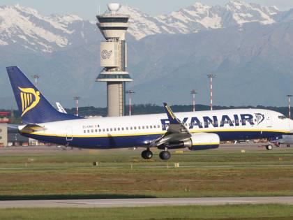 La Commissione Ue bacchetta Ryanair: ecco l'elenco dei voli cancellati