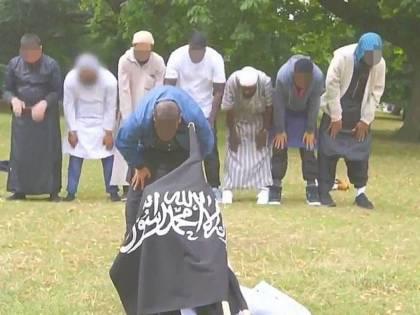 Jihadista dispiegò la bandiera dell'Isis: il video era già noto alla polizia