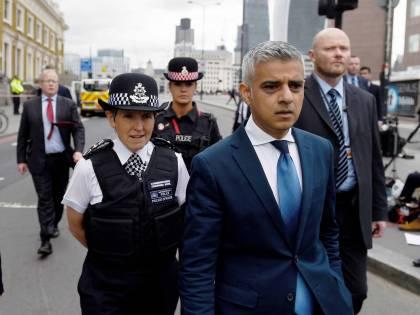 Londra, il sindaco rafforza la sicurezza delle moschee