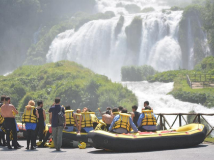 Terni, l'emozione del rafting sulle acque del fiume Nera