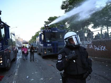 G20, scontri ad Amburgo tra polizia e manifestanti