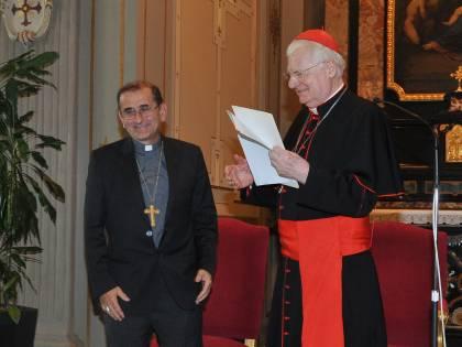 """""""Don Mario"""", il vescovo di Milano che va in bici e odia i traslochi"""