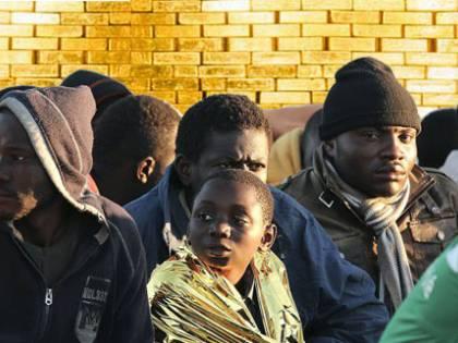 """""""Così possiamo fare profitti"""". I migranti sono l'oro delle Srl"""