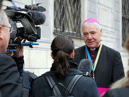"""Il cardinale cacciato dal Papa: """"Non può trattarci così"""""""