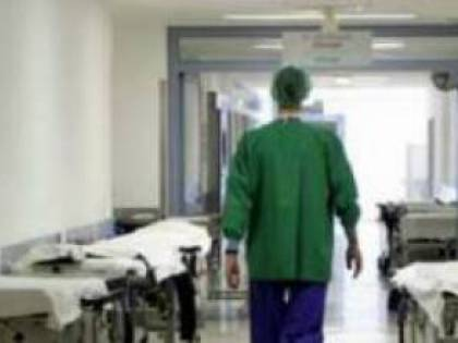 """Sanità, microchip nei camici dei dipendenti in Liguria: """"Grave violazione della privacy"""""""