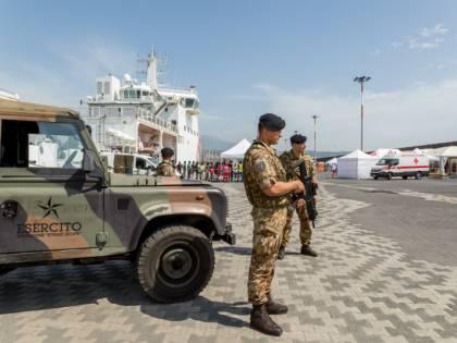 Militari salgono sul Lince: ora rischiano un anno di galera
