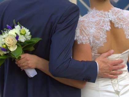 Migrante si sposa e, dopo le nozze, torna al Cie