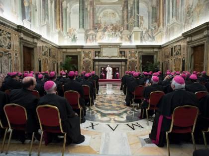 """Il Papa replica alle accuse di eresia: """"La teologia dell'Amoris Laetitia non è lontana da tradizione"""""""