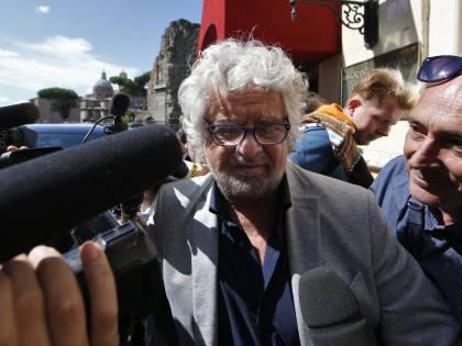 """Adesso Ricci accusa Beppe Grillo: """"Si fingeva autore di canzoni non sue"""""""