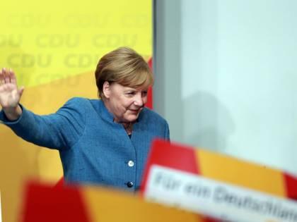 """La linea comune di Merkel, Macron e May: """"Sull'Iran non si cambia, Trump fermi i dazi"""""""