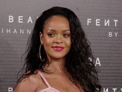 """Rihanna attacca Snapchat: """"Alimenta la violenza domestica"""""""