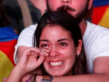 La delusione dei catalani dopo le parole di Puigdemont
