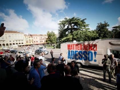 Indagato per fallimento l'ex autista del camper di Renzi