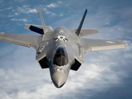 Rivoluzione nell'aviazione Usa: il Pentagono dice addio agli F35