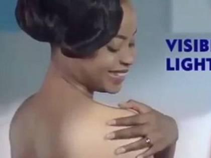 """La crema """"sbianca"""" la pelle: Nivea accusata di razzismo"""