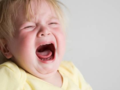 """Rischiano lo sfratto per il pianto della figlia: """"Siamo discriminati"""""""
