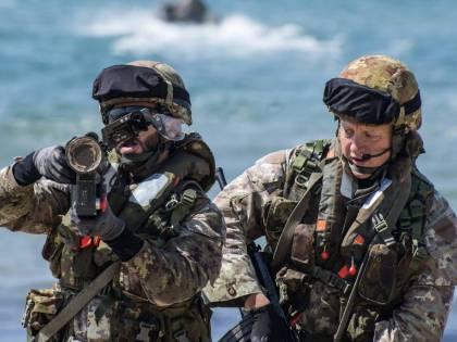 Diplomazia e soldati all'estero. La politica italiana nel mondo