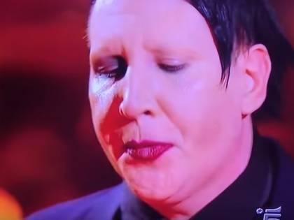 Lo sputo di Manson in diretta tv