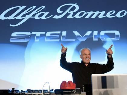 """Alfa Romeo racconta """"chi ci mette le mani"""""""
