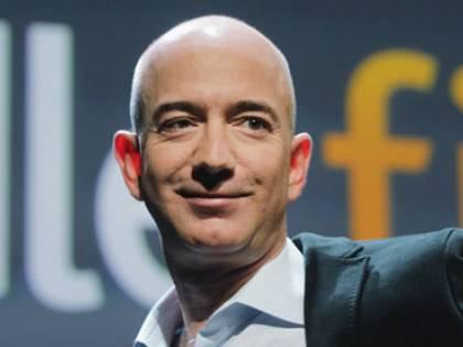 Bezos, la fidanzata dietro lo scandalo delle foto rubate