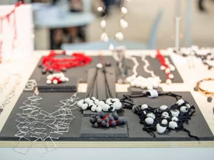 Gioielli moda e bijoux fra design e arte orafa a HoMi