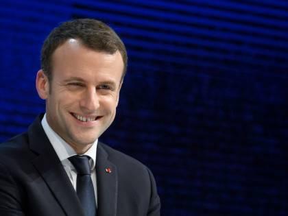 """""""Da Salvini politiche vomitevoli"""". Ma anche Macron nega lo sbarco ai migranti dell'Aquarius"""