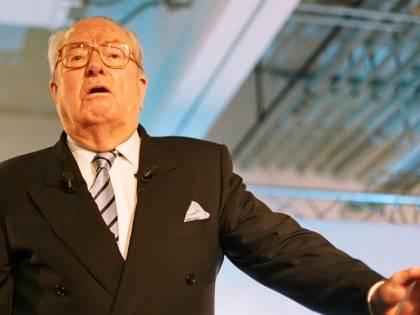 """Jean-Marie Le Pen contro la figlia: """"Marine mi fa pietà"""""""