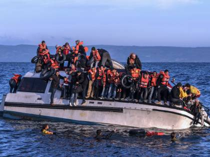 """Migranti, ecco la """"nuova rotta balcanica"""" verso l'Europa"""