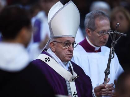 """Quei blog che criticano Bergoglio: """"Il Papa eretico?"""""""