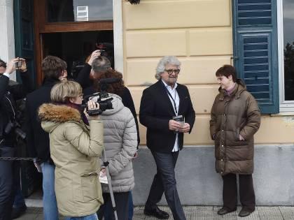 """Grillo: """"Criptovaluta per eliminare il business dell'accoglienza"""""""