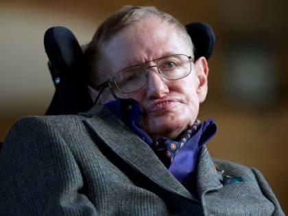 Stephen Hawking, lo scienziato entrato nella cultura pop: le reazioni social