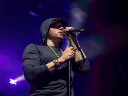"""Eminem contro la lobby delle armi: """"Amano le pistole più dei nostri figli"""""""
