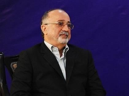 Ragazze danzano in pubblico, il sindaco di Teheran si dimette