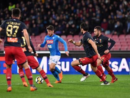 Il Napoli soffre ma batte il Genoa: 1-0 e Juventus a meno due in classifica