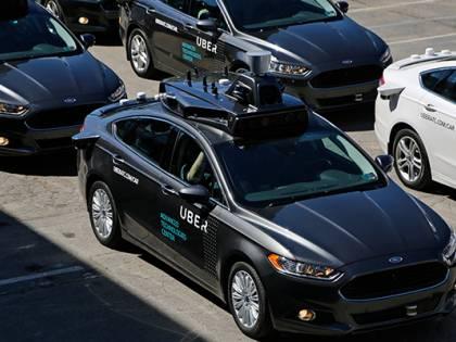 Usa, auto Uber senza guidatore uccide una donna: sospesi tutti i test