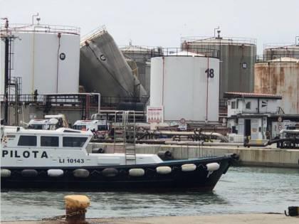 Livorno, un'esplosione al porto: due morti