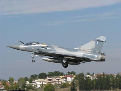 In volo per intercettare jet turchi, caccia greco precipita in mare