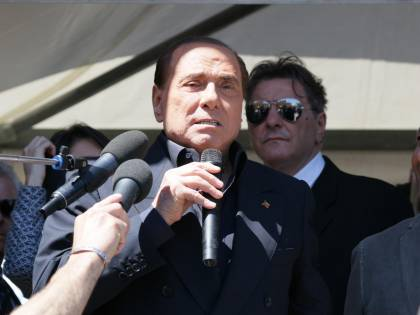 Ruby Ter, Berlusconi e Apicella a giudizio per corruzione