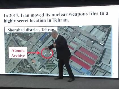 """Netanyahu svela i segreti nucleari dell'Iran: """"Ecco le prove, sta preparando le armi"""""""