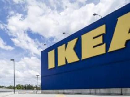 Il concorso per coppie gay che divide: a chi vince Ikea paga il banchetto di nozze