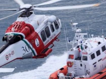 Trani, collisione tra due imbarcazioni, una affonda