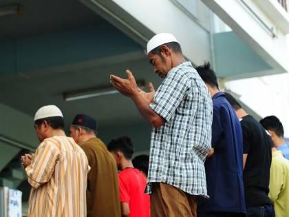 """Donna si lamenta per moschea """"rumorosa"""": condannata per blasfemia"""