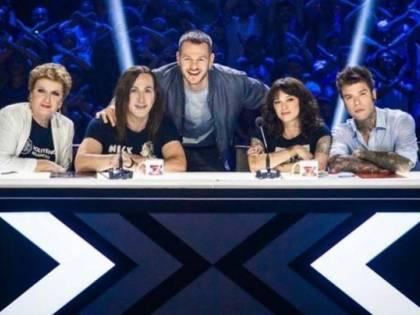 Asia Argento a X Factor dopo la morte del compagno. Scoppia la polemica in rete