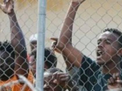 Immigrati, a Reggio la sinistra chiede al Prefetto più accoglienza