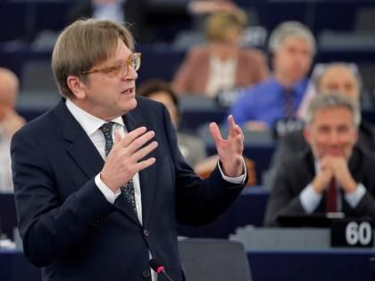"""Verhofstadt: """"Salvini vuole uccidere la nostra democrazia"""""""